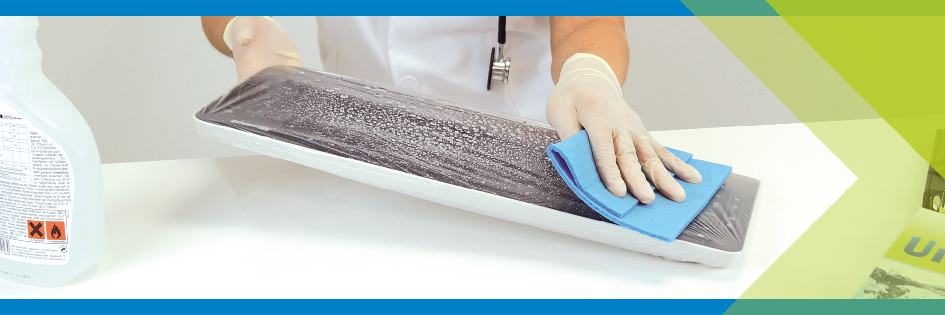 Easy cleaning of universal flexible keyboard cover UNI FLEX - Baaske Medical