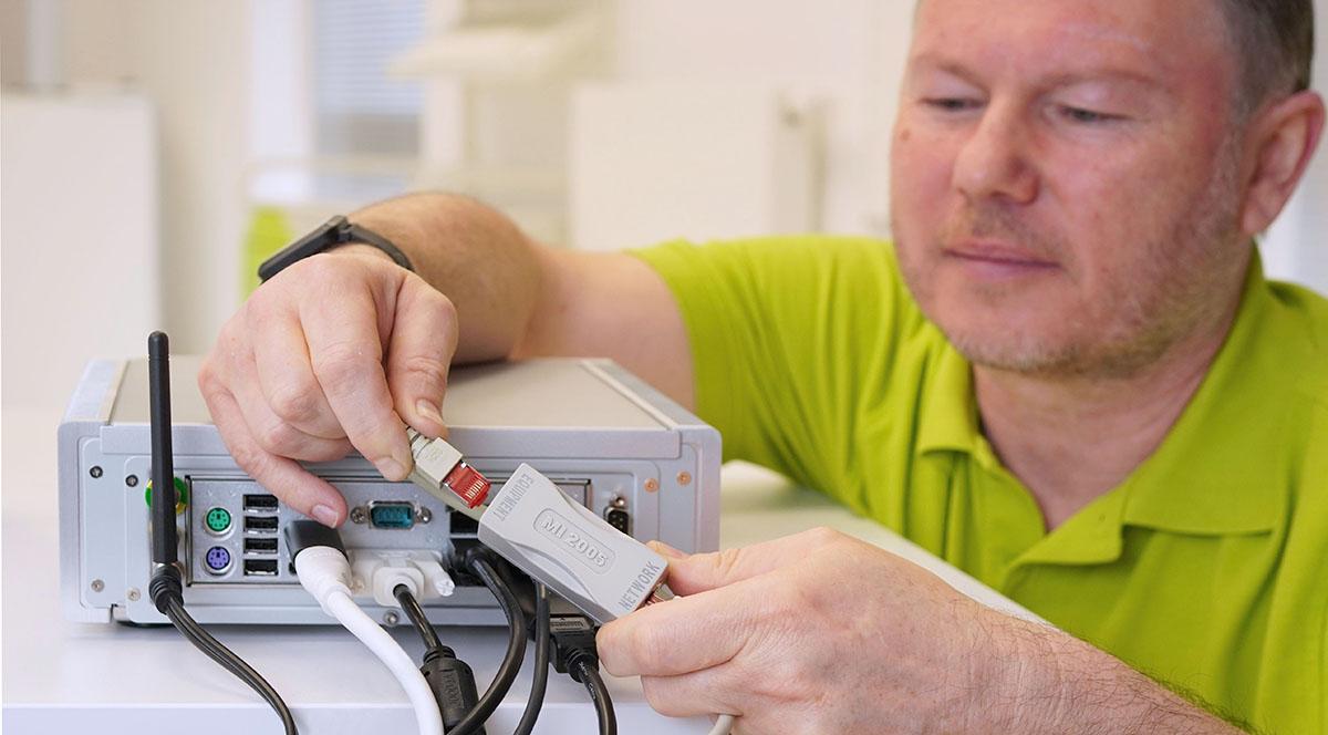 Netzwerkisolator-MI-2005-einfach-installiert_baaske-medical